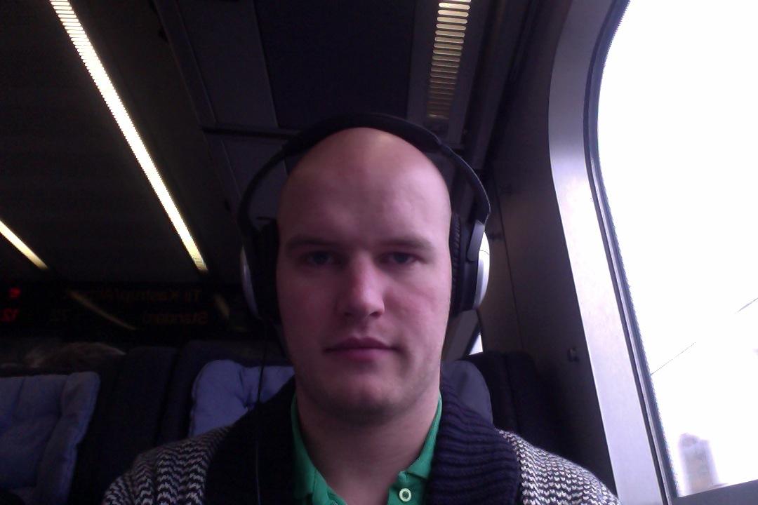 Sidder i toget mod Kastrup (Marbella) og skriver et blog-indlæg